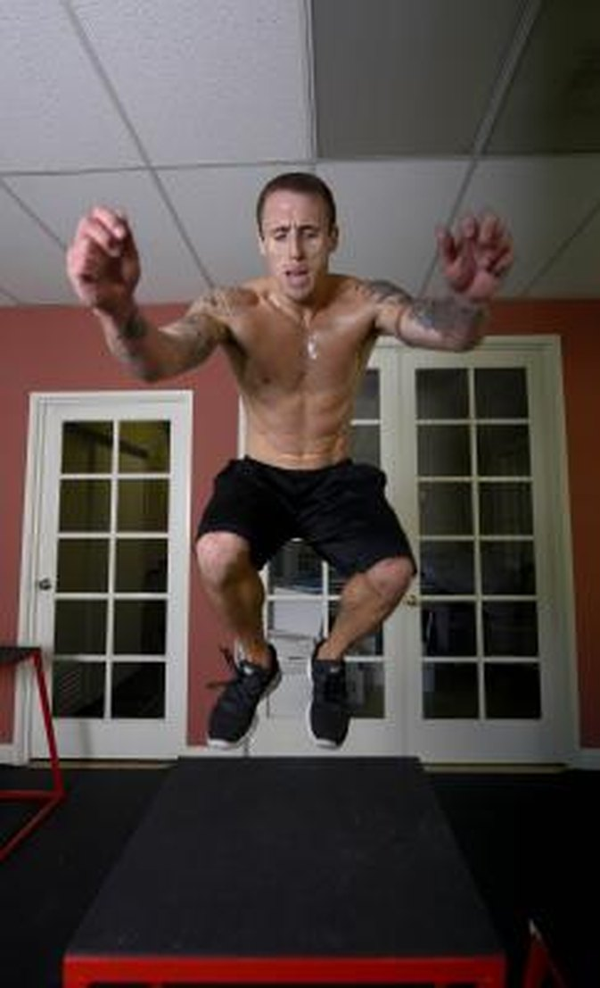Oblique Exercises With Weights No Machines LIVESTRONGCOMOblique Exercises With Weights