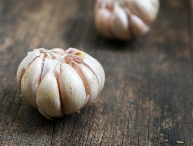 How to make aged garlic