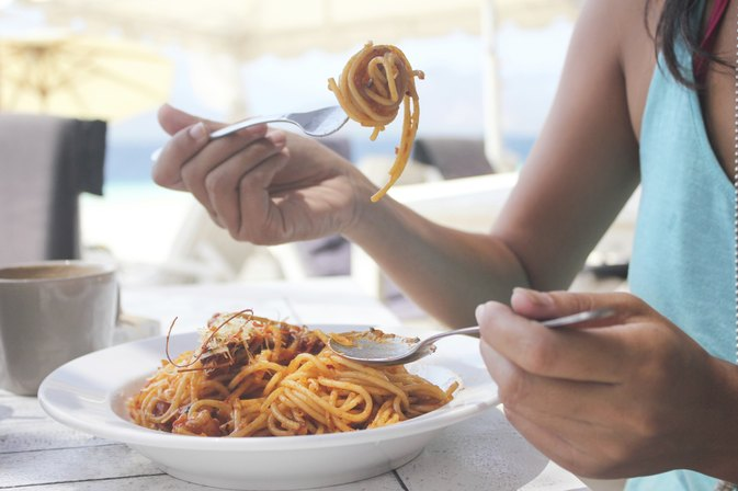 If You Eat Carbs for Dinner, Does Your Body Turn Them Into Fat?
