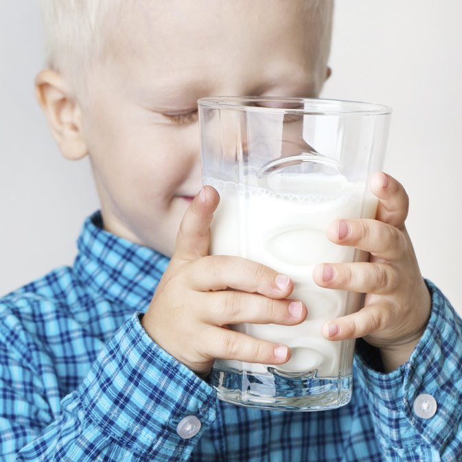 When Can a Toddler Switch From Whole Milk to 2 Percent?