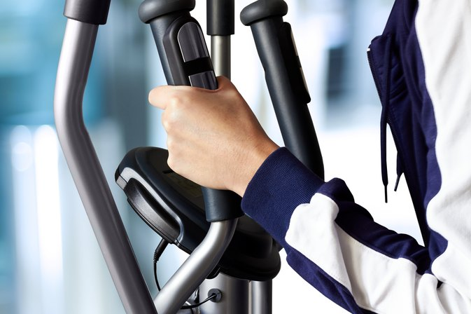 5 Things You Need to Know About Using An Elliptical To Tone Thighs