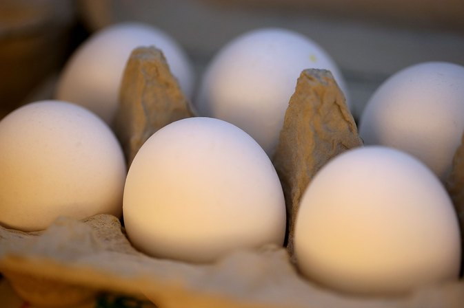 How to Substitute Knox Gelatin for Eggs
