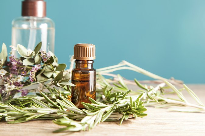 How to Treat Boils With Tea Tree Oil