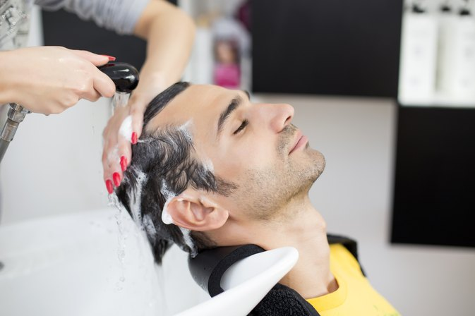 How to Cure Dandruff to Prevent Hair Loss