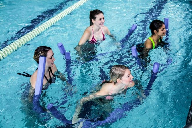 Types of Aquatic Shoulder Exercises