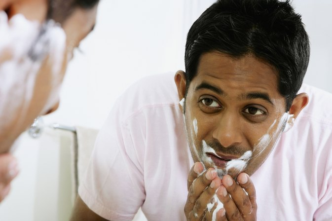 How to Minimize Facial Pores for Men