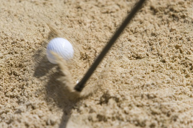 How to Stop Hitting the Ground Before Hitting the Golf Ball?