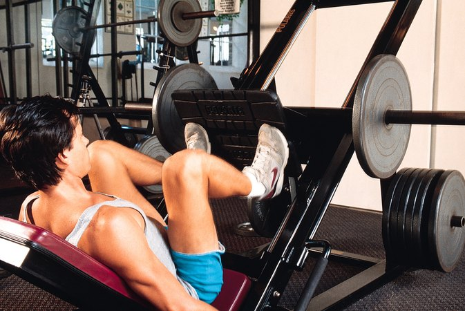 Does Lifting Weights Burn More Calories Than Cardio?