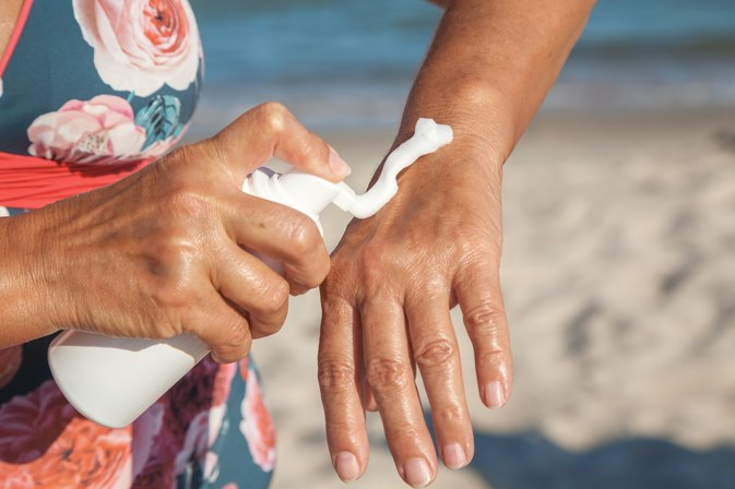 How to Heal Dry, Cracked Hands