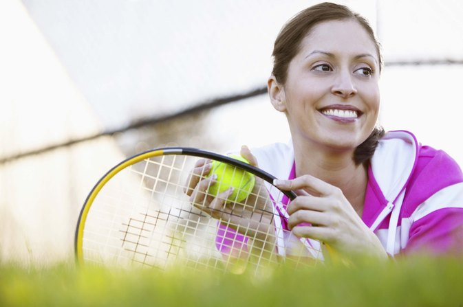 How to Put a Damper on a Tennis Racket