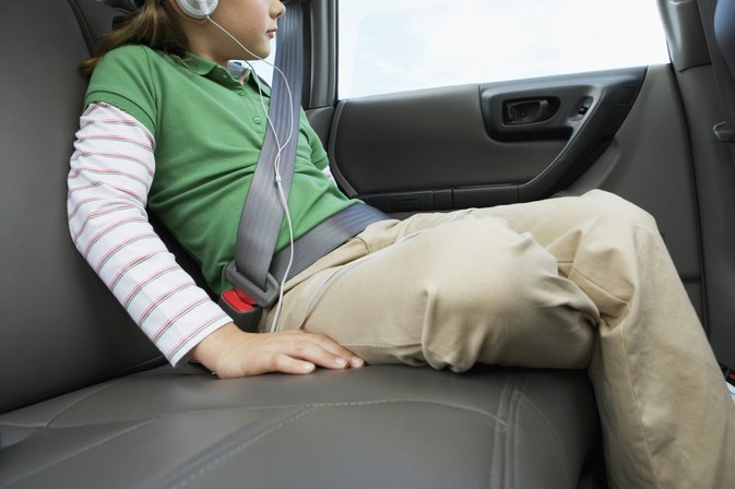 Height Requirement for a Child Riding in the Front Seat | LIVESTRONG.COM