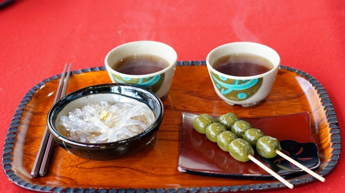 Kanten diet livestrong a japanese dessert on a plate photo credit glowonconceptistockgetty images forumfinder Images