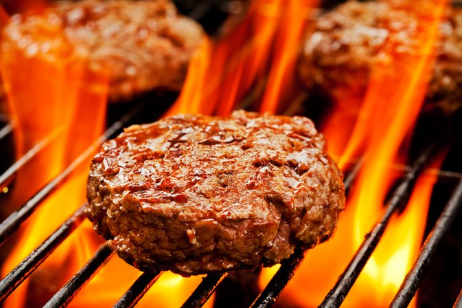 How to Grill Hamburgers on a Propane Grill