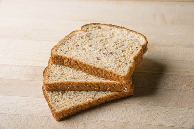 Brands of Low-Carb, Whole-Grain Bread