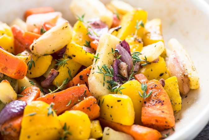 How to Cook Vegetables in a Roaster Oven Without Burning Them