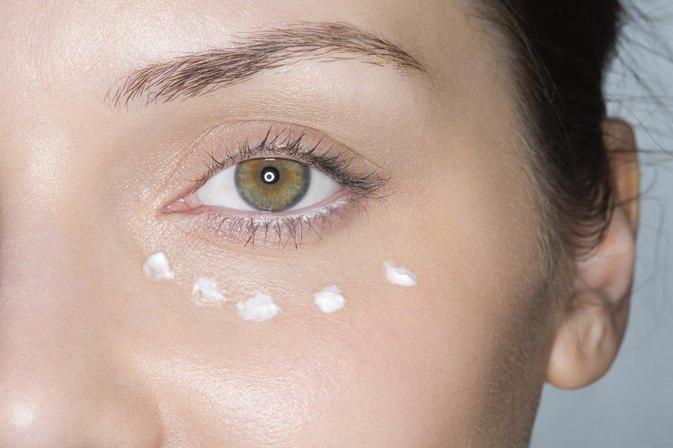How to Improve Puffy Eyes Instantly
