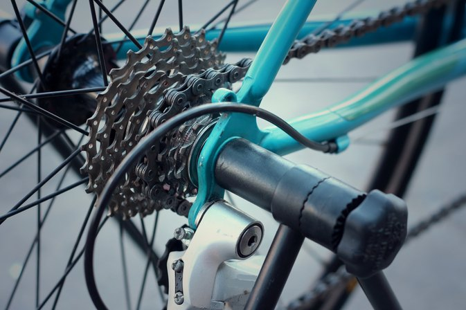 How Does a Bicycle Derailleur Work?