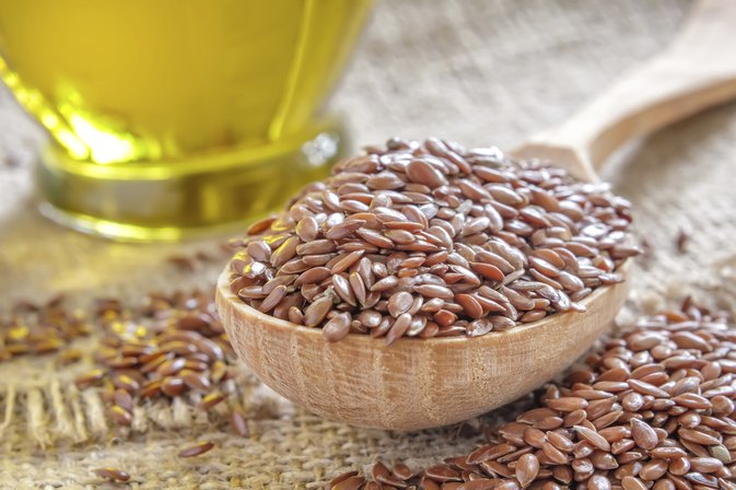 Side Effects of Flaxseed & Fish Oil