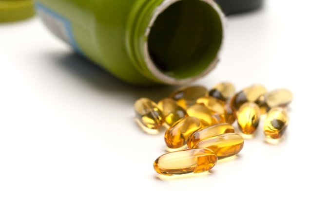 How Much Fish Oil Is Safe to Take & What Are Benefits & Risks?