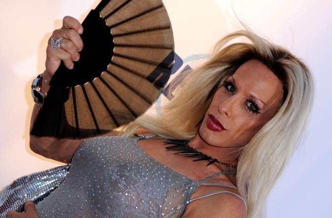 """Wedding Singer"" Actress, Transgender Activist Alexis Arquette Dies at 47"