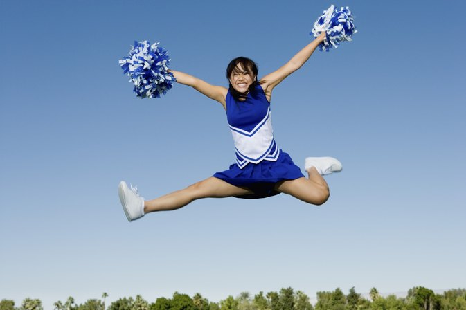Ways to Train for Higher Cheerleading Jumps