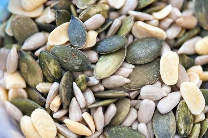What Are the Health Benefits of Eating Nuts & Seeds?