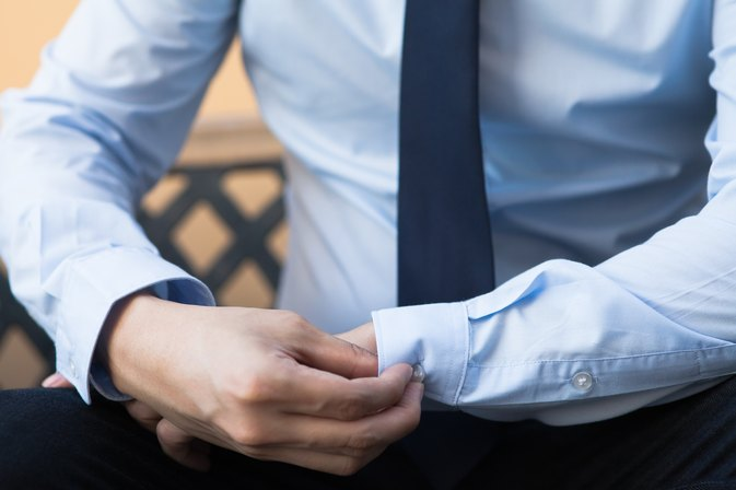 The Best Dress Shirt for Skinny Men With Broad Shoulders