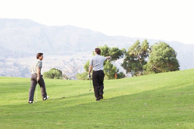 How Many Calories Does Walking & Pulling Golf Cart Burn?