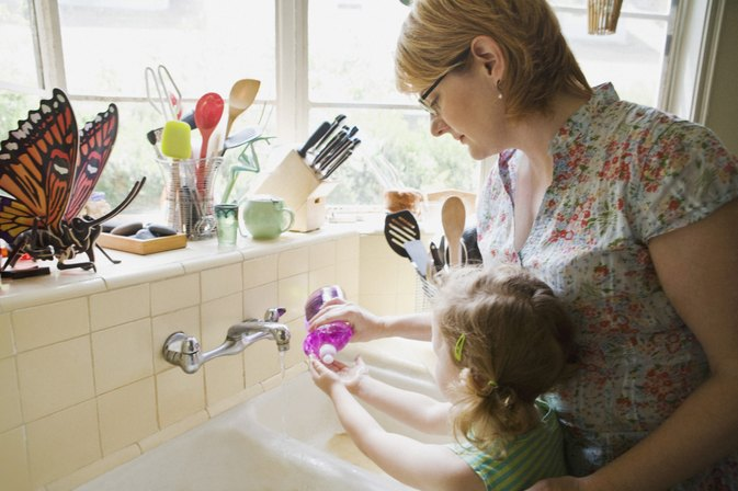 Games to Teach Kids About Personal Hygiene | LIVESTRONG.COM Kids Washing Hands