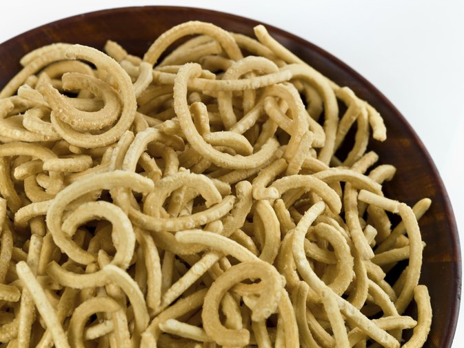 Nutritional Information of Fried Crispy Chow Mein Noodles