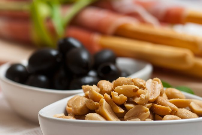Will Olives & Nuts Help to Reduce Belly Fat?