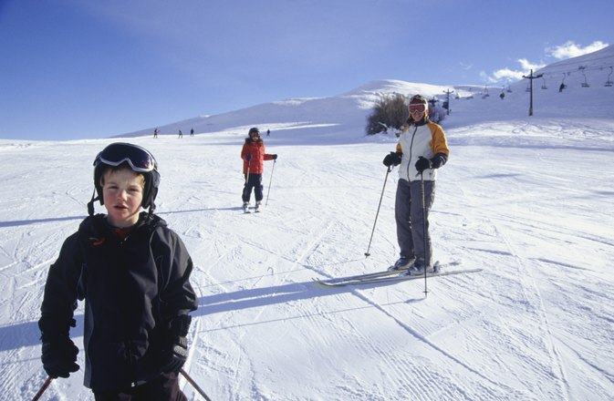 Games That Teach Skiing to Children