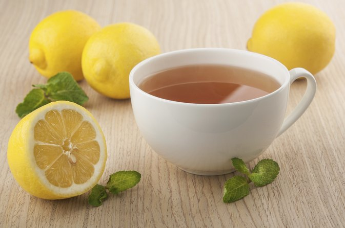 What Are the Benefits of Drinking Green Tea With Citrus?