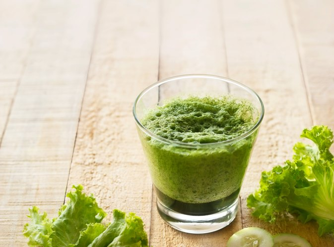What Are the Benefits of Juicing Lettuce?