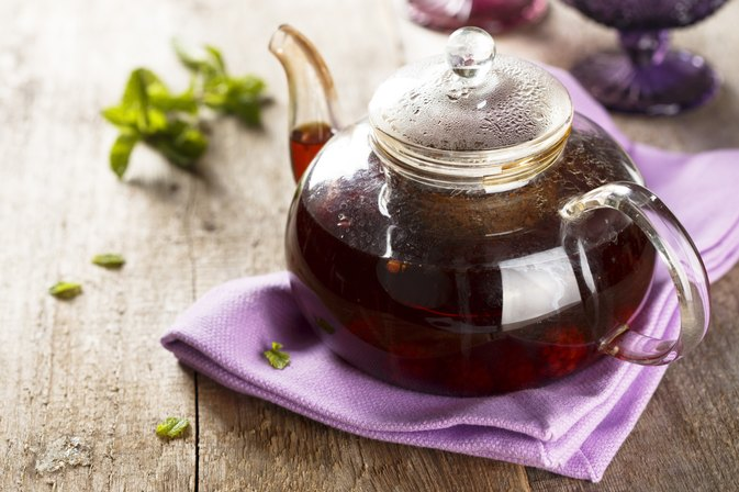the effects of black tea on Black tea is made from the leaves of the camellia sinesis plant with lots of benefits black tea has some side effects see how to use its medical advantages.