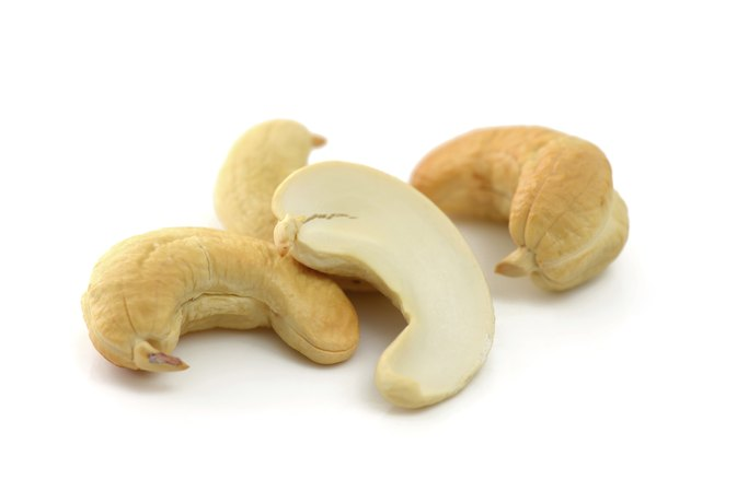 Which Nuts Are Good to Get Rid of Acne?