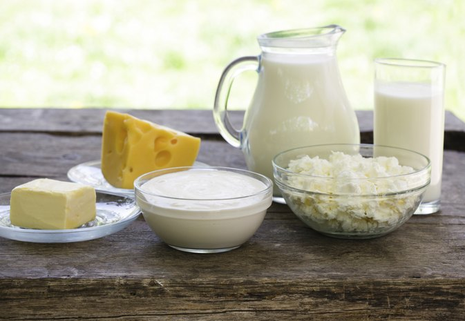 How Much Protein Is in Milk & Cheese?