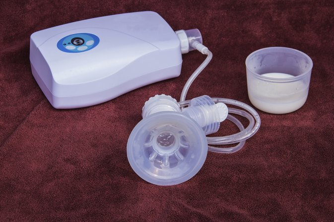 How to Wean Yourself Off the Breast Pump