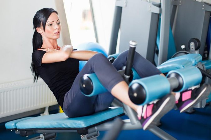 Ways to Effectively Use a Sit-Up Bench