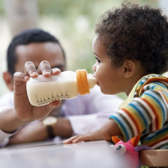 How Can You Tell if Your Baby Is Allergic to Cow's Milk?