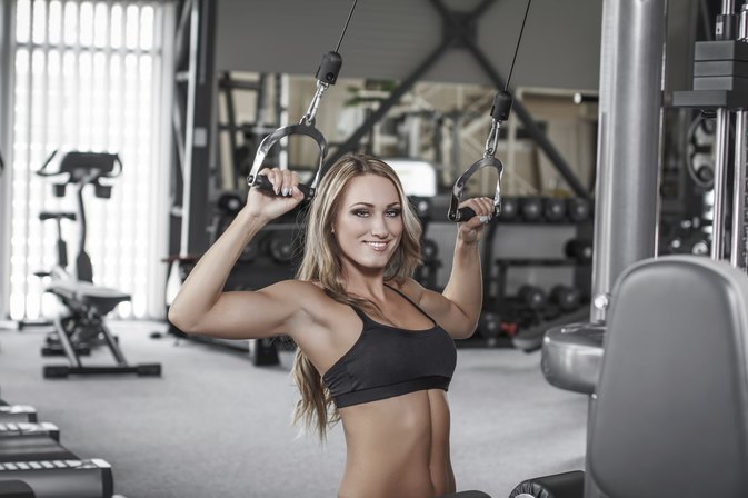 Double Vs. Single Pulley Lat Pulldowns