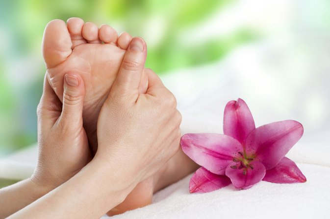 How Can I Cleanse My Liver Through Foot Reflexology?