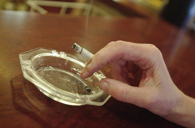 How to Eliminate Odors From Smoking
