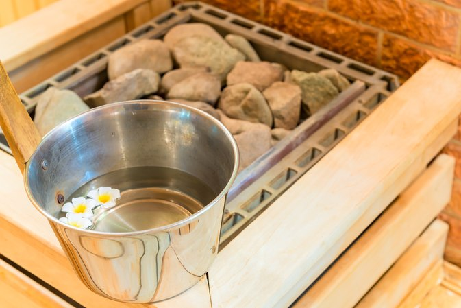 Pros and Cons of a Sauna