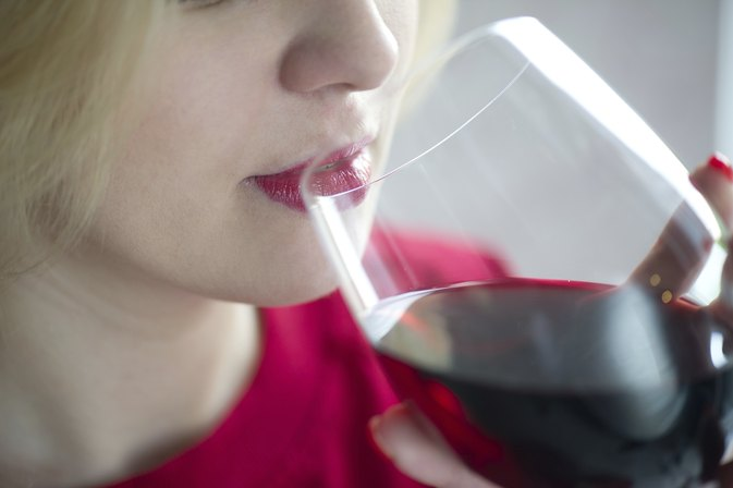 Which Is Better for Losing Weight: White Wine or Red Wine?