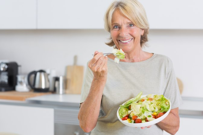 How Many Calories Should a 50-Year-Old Woman Consume?