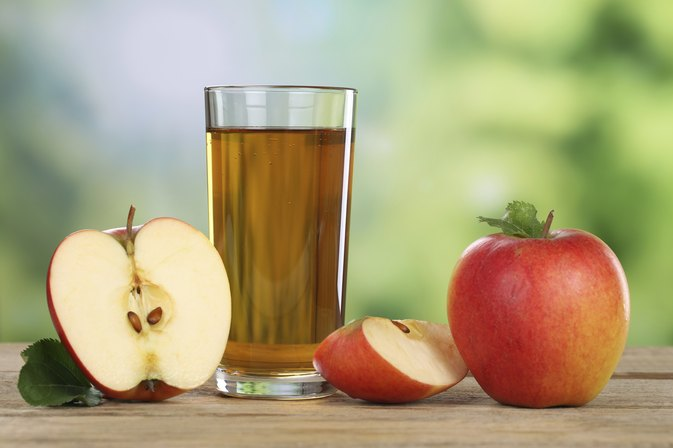 Does Apple Juice Cleanse the Kidneys?