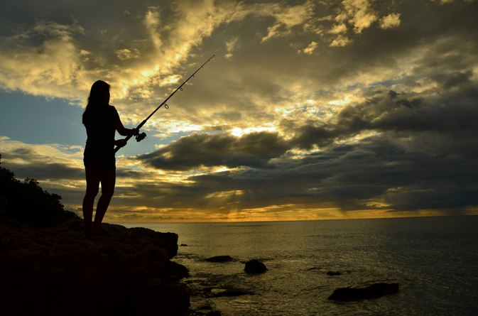 Shore fishing tips on oahu livestrong com for Shore fishing oahu