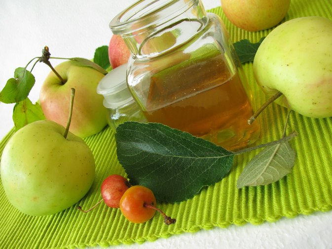 Does Organic Apple Cider Vinegar Contain Digestive Enzymes?