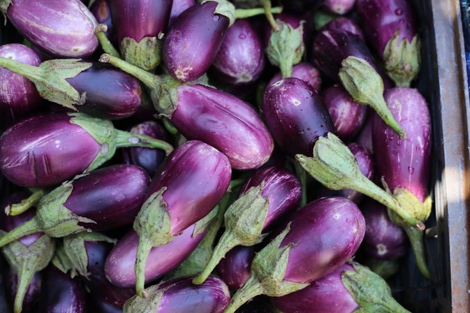 How to Lower Cholesterol With Eggplant Water